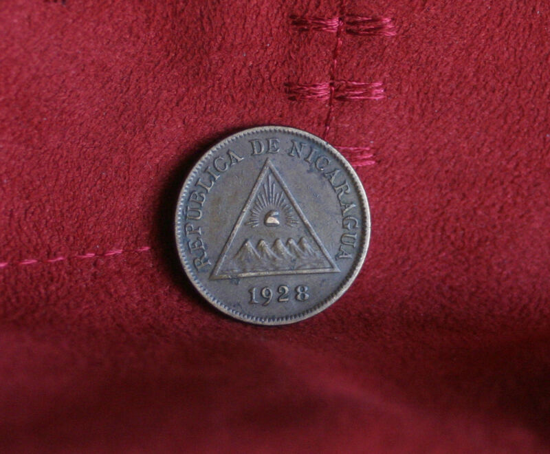 Nicaragua 1 Un Centavo 1928 Bronze World Coin KM11 Sun Sea Pyramid Volcanoes
