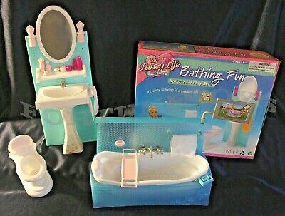 FANCY LIFE DOLLHOUSE FURNITURE SIZE Bathing Fun Bath Tub W/ Back Panel PLAYSET