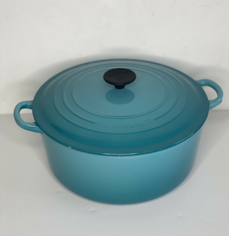 Le Creuset Cast Iron Round Dutch Oven Teal #28 7.25 Quart