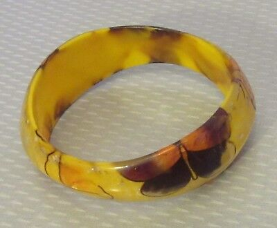 fab 60s mod vtg laminated butterfly BUTTERSCOTCH LUCITE BANGLE pearly plastic