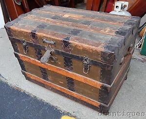 metal steamer trunk ebay. Black Bedroom Furniture Sets. Home Design Ideas