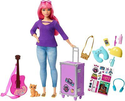 Barbie FWV26 Daisy Doll and Travel Set with Kitten, Luggage, Guitar,Accessories
