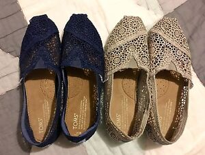 Navy and grey crochet lace Toms