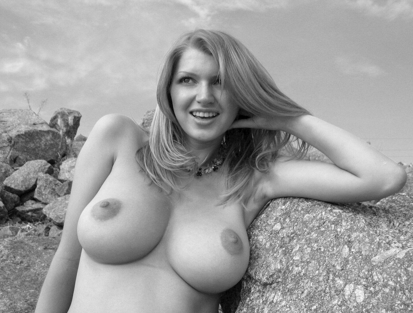 такие голые женщины с бол сиськами интересно