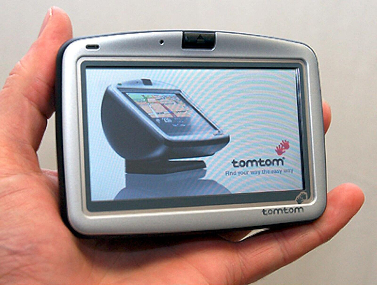 NEW TomTom GO 510 Portable Car GPS Set USCanada Maps 4 LCD tom