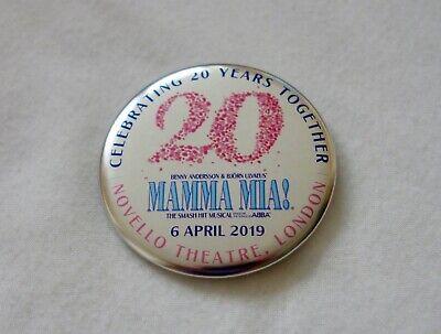 MAMMA MIA+20TH ANNIVERSARY+RARE+BADGE+NOVELLO THEATRE+LONDON 2019+OFFICIAL+ ABBA