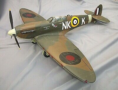 ULTIMATE SOLDIER 21st CENTURY RAF SPITFIRE THE BOROUGH OF LAMBETH NKK 1:18