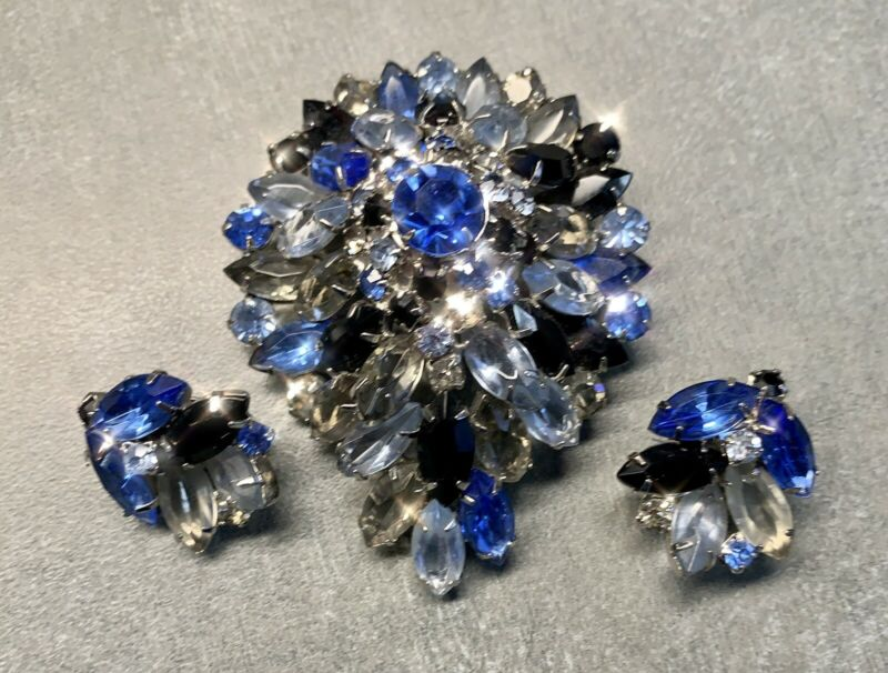 Vtg Juliana Domed Rhinestone Brooch BLUE GRAY BLACK Glass Prong Earrings Set