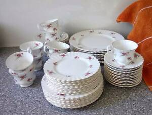 OLD ENGLISH DINNER SET 'ROSE TIME' Mansfield Brisbane South East Preview