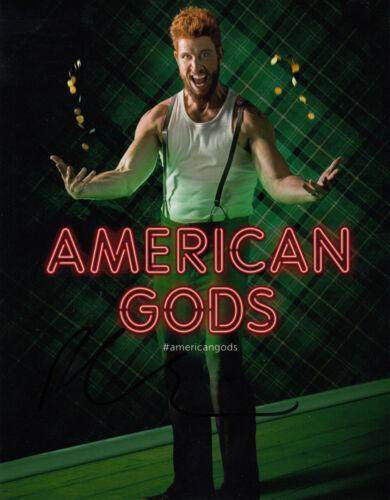 Pablo Schreiber American Gods 10x8 photo AFTAL & UACC [16867] + Signing Details