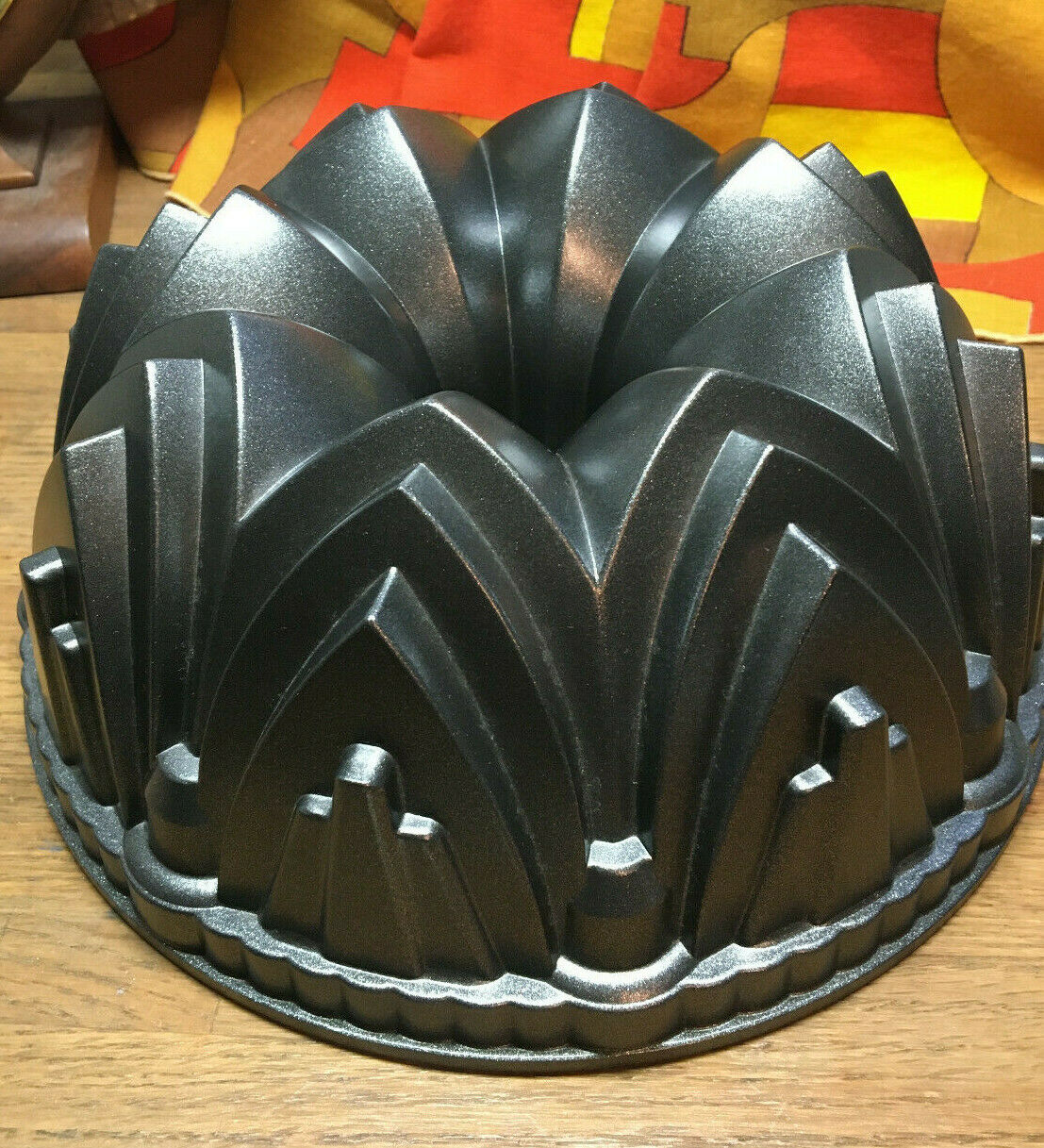 Nordic Ware Cathedral Bundt Cake Pan Heavy Cast Aluminum 10 Cups Clean NICE  - $24.99