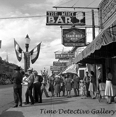 The Mint Bar, Grain Belt Beer Sign, Sheridan, Wyoming 1941 -Historic Photo Print