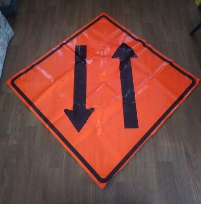 2 Way Traffic Arrows 48 X 48 Vinyl Non Reflective Roll Up Sign. Used 0009