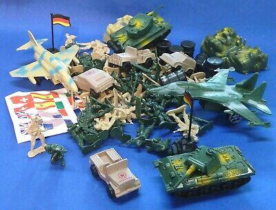 Spielzeug MILITÄR ARMEE Figuren Panzer Auto Flugzeug 78-teiliges SET       10400