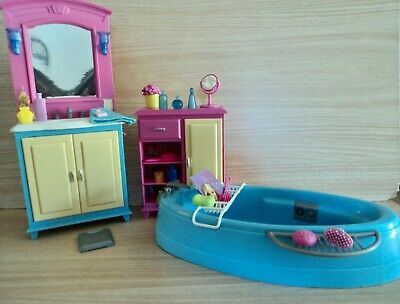 Barbie Living in Style Bathroom Playset with Bath. 2002 and Collectable