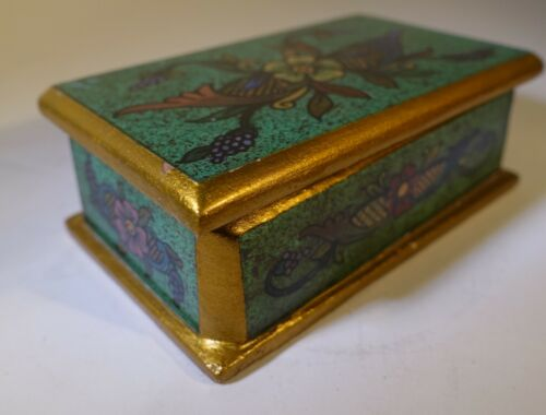 """L-22 PERU ANDES REGION GLASS REVERSE PAINTING EGLOMISE HAND PAINTED BOX 4"""" long"""