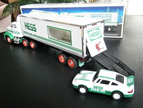 Hess 18 Wheeler Truck with Racer Car 1992 NIB