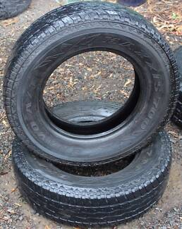 Set of 2x Maxxis Bravo Radial AT700 All Terrain Tyres