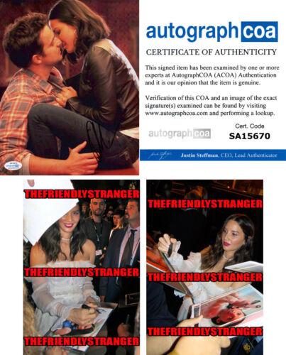 "OLIVIA MUNN signed Autographed ""NEW GIRL"" 8X10 PHOTO f PROOF SEXY Kiss ACOA COA"