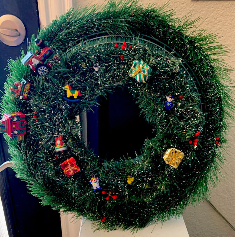 Avon Christmas Train Wreath Motion Activated
