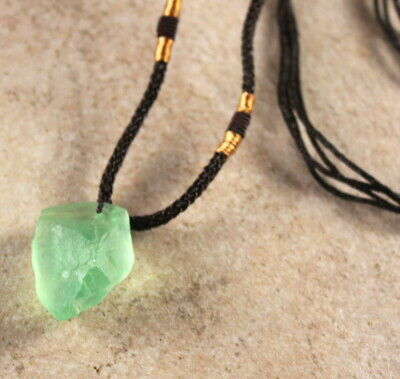 Elegant Green Fluorite Pendant Hand Made Adjustable Knot Necklace Healing (Green Stone Pendant Necklace)