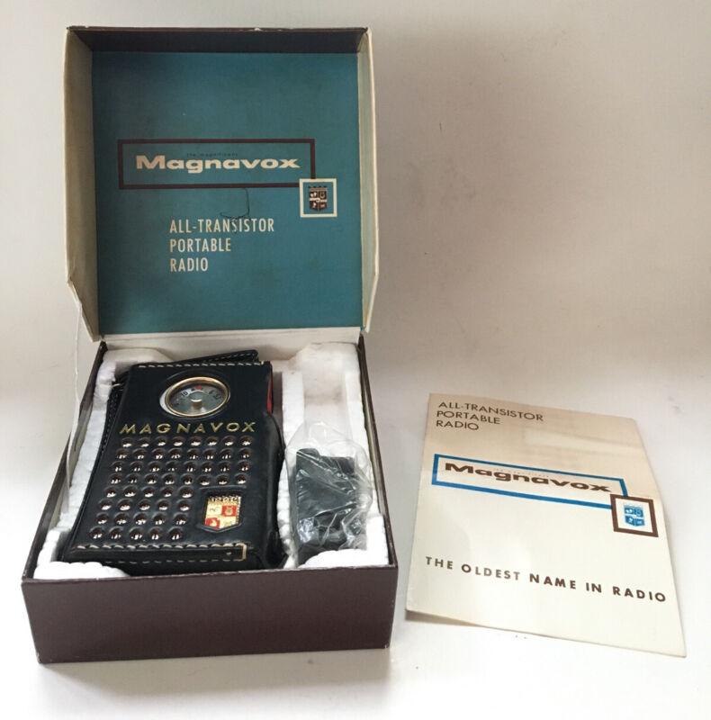 Vintage Magnavox 2-AM-60 Pocket Mate Transistor Radio Case Box Excellent Unused