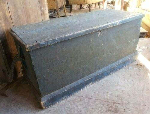 ANTIQUE 18th CENTURY MAINE SEA CHEST IN OLD CRUSTY BLUE PAINT