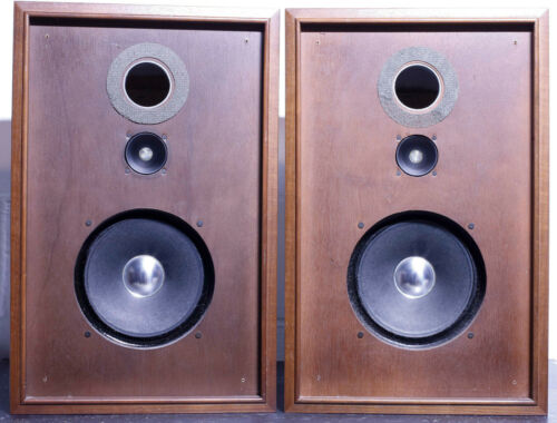 2 WAY SPEAKER SYSTEM - Sansui SP-50 8 ohm 25 WATTS excellent condition