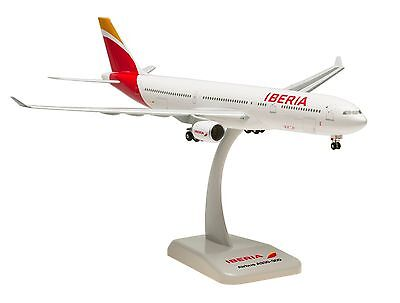 Hogan Wings Iberia Airbus A330 300 1 200  New Livery 2013   0281