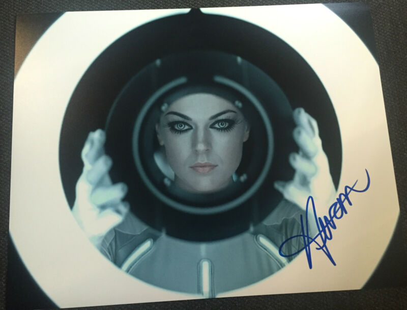 Tron Serinda Swan Autographed Signed 11x14 Photo COA