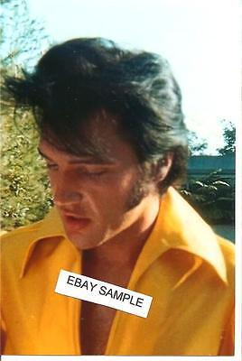 Elvis Presley: Rare 3 Photo Fan-Shot Set in Gorgeous Yellow Shirt 1969 !