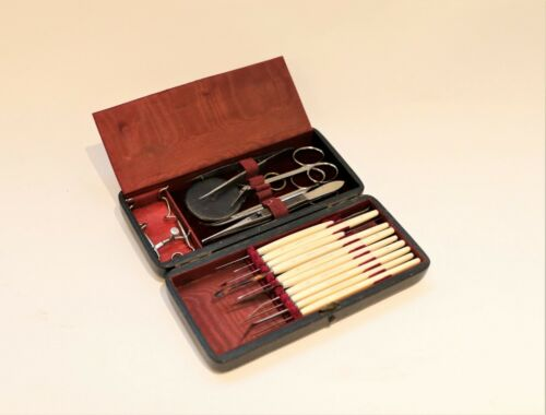 A Good Eye Surgical Set With Ophthalmoscope By Robert Et Collin surgery, Circa 1
