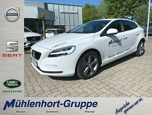 Volvo V40 D2 Geartronic MOMENTUM - NP: 35.930,-€ -