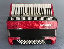 HOHNER BRAVO lll 80 PIANO ACCORDION 80 BASS WITH GIG BAG Sydney Region Preview