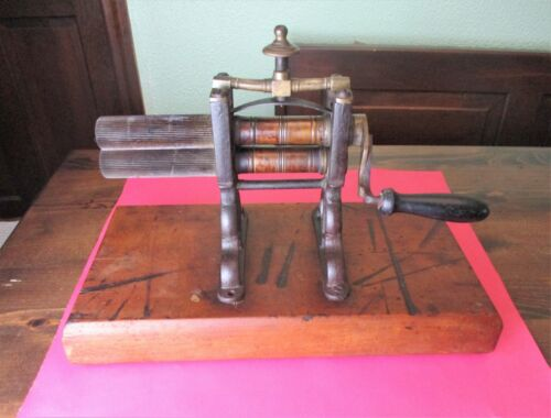 Antique Hand Crank Fluting, Crimping, Pleating Iron 19th Century - Brass Rollers