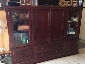 LARGE SOLID MAHOGANY ENTERTAINMENT TV UNIT CABINET Pitt Town Hawkesbury Area Preview