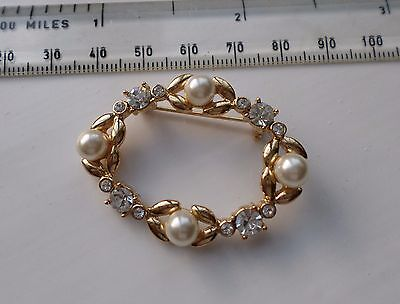 Vintage Gold Tone 1980 Brooch set with 4 Faux Pearls and Sparkling White Crystal
