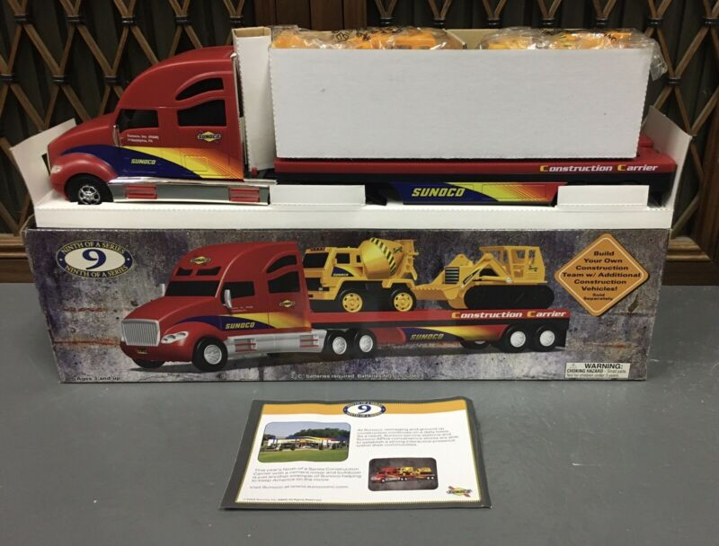 Sunoco Toy Construction Carrier & Construction Vehicles 2002 NOS