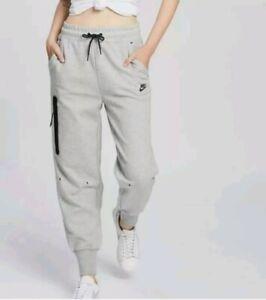 BNWOT Womans Nike Tech fleece track pants Rrp $110