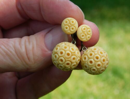 """Ivory-Colored 1"""" Dangle Ball Earrings Screw On Great Condition Vintage Bakelite?"""