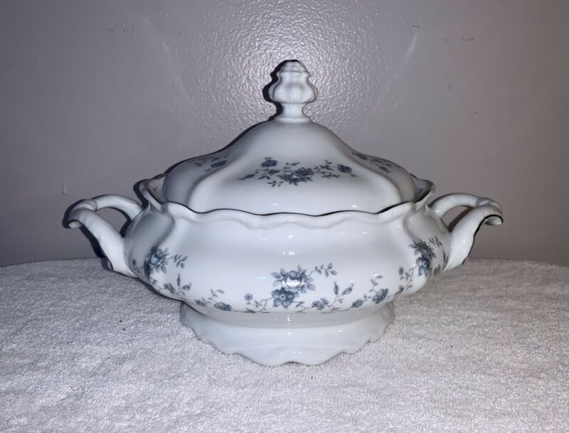 Vintage Johann Haviland Blue Garland Floral Lidded Casserole/Serving Dish
