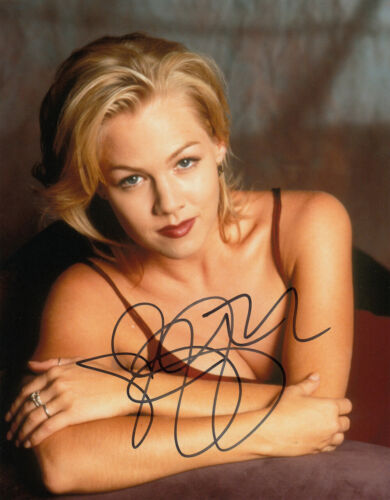 Jennie Garth Beverly Hills 90210 signed 10x8 photo UACC Signing Details [16223]