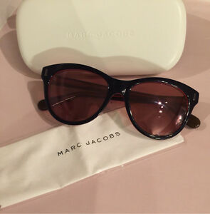 Authentic Marc Jacobs Sunglasses includes case & cleaning cloth