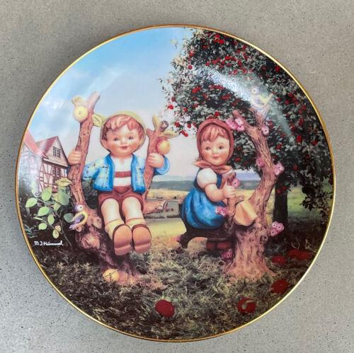 Vintage 1990s Danbury Mint Hummel Collector Plate Little Companions - 5