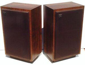 CERWIN-VEGA-D-5-Vintage-Stereo-Speakers-Nice-and-CLEAN