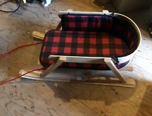 Baby sleigh with plaid pad