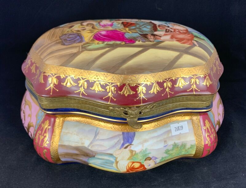 Vintage Hand Painted Porcelain Ormolu Mounted & 24k Gold Leaf Jewelry Box