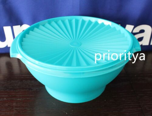 Tupperware Classic Servalier Large Salad Serving Bowl 17 cup Caribbean Blue New