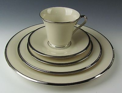 Lenox China SOLITAIRE 5 Piece Place Setting(s) EXCELLENT