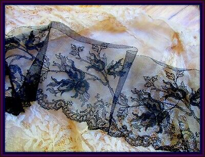 Small Antique French Lace makers iron Fabric weight.